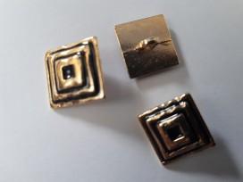 Damesknoop Sjiek metaal Vierkant Goud/zwart 15mm. dksm255