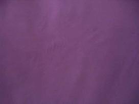 Een iets dikkere kwaliteit paarse tricot.  Ook heel geschikt voor jurkjes en rokjes. 70%pe/27%visc./3%sp. 1.50 mtr breed