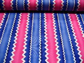 Quiltkatoen Witte lengte zigzag met pink en blauw 1043q