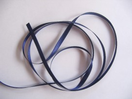 Satijnlint Donkerblauw 6 mm breed per rol van 25 mtr
