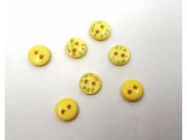 Een klein mini knoopje van Fun for Kids. Kleur geel.  Doorsnee 9mm  Met 2 gaatjes