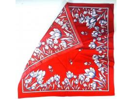 Boerenzakdoek rood met tulpen. Omgezoomd, dus kant en klaar.  100% katoen  Circa 50 x 50 cm