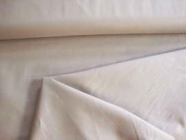 Cotton voile, een dunne, soepele lichtgrijze katoen.  100% katoen  1.40 meter breed  70gr./m2