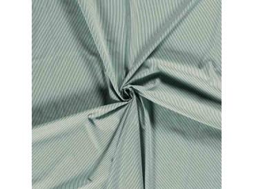 Een mintgroen/oudgroene lengtestreep.. De streep is 2 mm. breed.. 100% Katoen 1.45 mtr. br. 110 gram p/m2