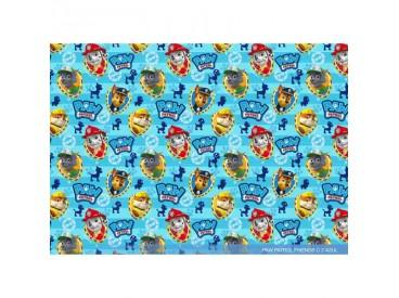 Een lichtblauw/witte poplin/katoenen breedtestreep met Paw Patrol Dog gezichtjes op schildjes 100% katoen 1.50 mtr. br 120 Gr/M2