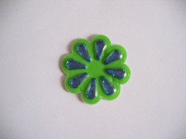 9s O applicatie Groene plastic bloem 907