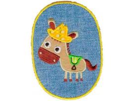 Opstrijkbare applicatie midden jeans.  Paard met hoed en zadel  Heel geschikt voor een kniestuk.  10 x 7 cm.