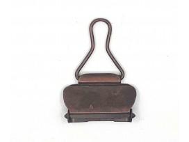 Tuinbroek sluiting  Kleur: Oudkoper.  Er past band door van 25 mm.  Lengte 53 mm  Breedte 32 mm
