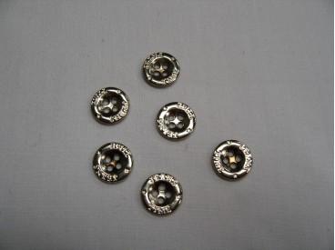 Zilverkleurige metalen jeansknoop. 12 mm. doorsnee.