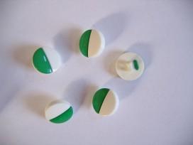 Groen/witte kunststof knoop. 15 mm. doorsnee.