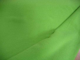 Lime kleurige joggingstof. Deze sweatstof is ook een heel geschikte stof voor huispakken.  80%co/20%pe  1.50 mtr.br.  245 gram/m