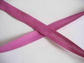 Fuchsia kleurig biaisband van 1.2 cm breed.