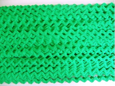 Groen zigzagband van 10 mm. breed. Polyester