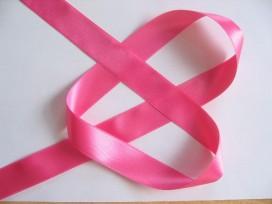 Pinkkleurig satijnlint double faced van 25 mm. breed.