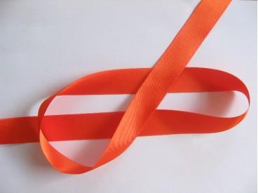 Oranje kleurig satijnlint double faced van 25 mm. breed.