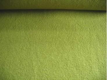 Mooie zware kwaliteit voorgekookte appelgroene bouclé wolvilt.  Rafelt niet. Zeer geschikt voor jasjes 100% wol  1.45 mtr.br.  4