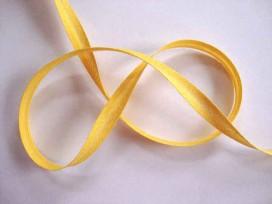 Geel biaisband van 12 mm. breed.