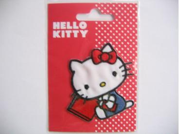 Een Hello Kitty opstrijkbare applicatie 6x7,5 cm