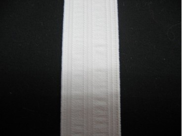 Wit pyjama elastiek 25 mm breed.