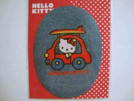 5h Hello Kitty ovaal jeans In rode auto kitty107
