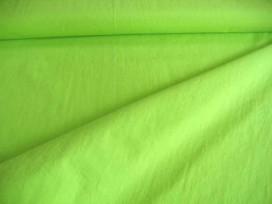 Een limekleurige silicon poplin van Polytex. 100% katoen 1.45 mtr. br. 140gr/m2