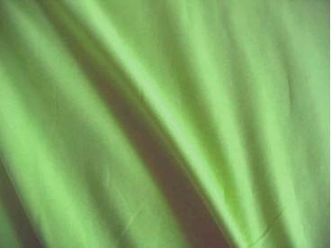 Tricot appelgroen, een mooie kwaliteit jersey   92% katoen/8% elastan  1,60 meter breed  240 gram p/m²