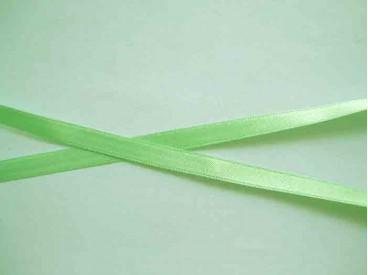 Licht limekleurig satijnlint dubbelzijdig van 8 mm. breed.