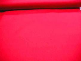 Cotton voile, een dunne, soepele rode katoen.  100% katoen  1.40 meter breed  70gr./m2