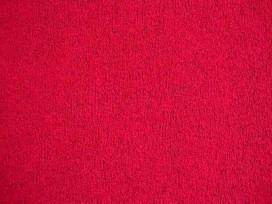 Een soepelvallende gebreide rode tricot. Voelt aan als katoen.  100% polyester  1.45 mtr. br.