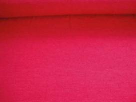 Een soepelvallende, gemeleerde en gebreide rode tricot.  95%pl./5%sp.  1.50 mtr. br.
