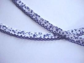 4o Biaisband met jeansblauwe ruche en blauwe bloem 56