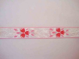 Sierband Wit met rood/roze bloem en randje   O-847
