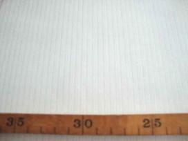 Zware kwaliteit offwhite katoen met een ingeweven mini lengtestreep 5 mm. br.  61%katoen/39% poly  1.50 mtr. br.  250 gram p/m²