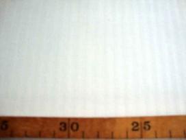 Zware kwaliteit offwhite stretch katoen met een ingeweven mini streepje. 62%katoen/36% poly./ 2% ly  1.60 mtr.  215 gram p/m²