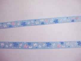 5e Ribsband Lichtblauw met roze-wit-blue vlinders 10mm. 043-66K