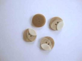 5f Kunststof knoop 3 kleurig Zand 18mm. 1-18
