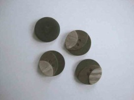 5m Kunststof knoop 3 kleurig Bruin 20mm. 3-20