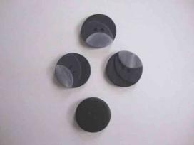 5p Kunststof knoop 3 kleurig Grijs 20mm. S1 103-20