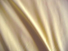 Zand kleurige viscose tricot.  92%visc./8%el.  1.60 mtr.br  225 gr/m²