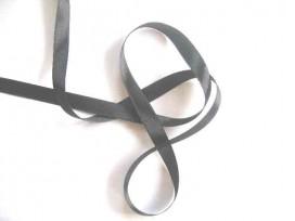 Donkergrijs satijnlint dubbelzijdig van 10 mm. breed.