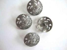 Metalen knoop Opengewerkt met bloem 28mm. 5588-40ex