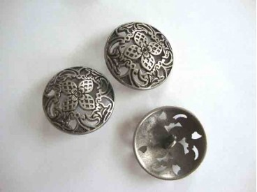 Metalen knoop Opengewerkt met bloem 38mm. 5588-51ex
