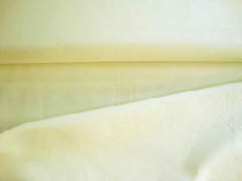 Cotton voile, een dunne, soepele ecru katoen.  100% katoen  1.40 meter breed  70gr./m2