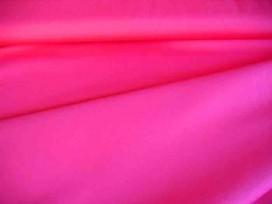 Cotton voile, een dunne, soepele pink katoen.  100% katoen  1.40 meter breed  70gr./m2