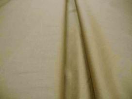 Cotton voile, een dunne, soepele licht taupe katoen.  100% katoen  1.40 meter breed  70gr./m2