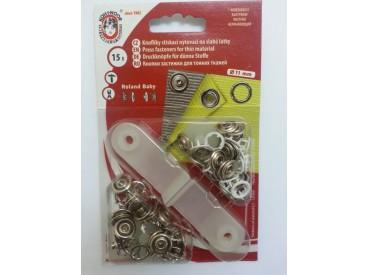 Babydrukkers. Witte inslag drukknopen met werktuig en open rondje.15 stuks per pakje Let op: 1 maat groter 11mm