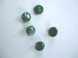 Een groene kunststof knoop op een steeltje  Doorsnee 10mm.