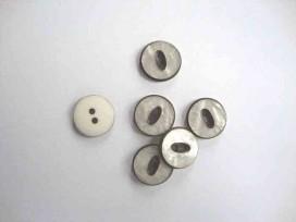 Witte knoop met zwart randje Parelmoerlook 18mm. wk829