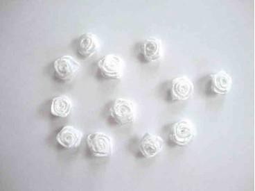 Applicatie Roos/strikje Wit roosje R661