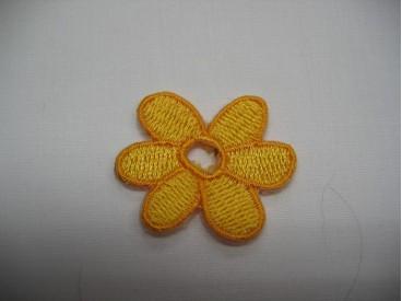 6a Gele bloem met open hart